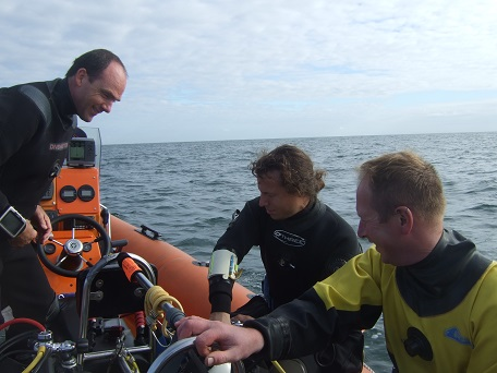 3 divers on the RIB